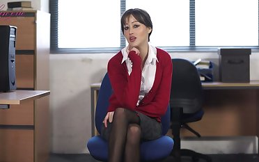 Naughty secretary in stockings Jenny shows vulgarization in someone's skin assignation