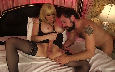 Kinky shemale Jesse fucks AC/DC dude's anus and cums superior to before beard