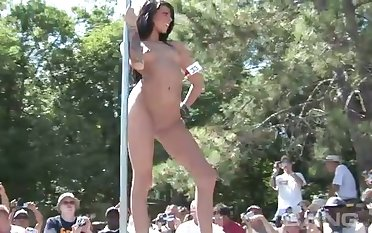 Such a beautifully filmed seduction and these hoes loves public nudity