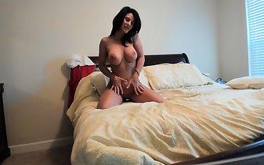 Sweet solo anal toying yon hot blonde milf