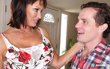 Lustful Mature Housewife Vanessa Videl Craves For Young Dick