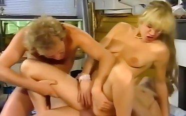 DANS LE CUL LA BALAYETTE 1993