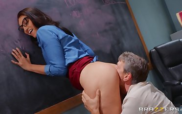 Deep anal be incumbent on be transferred to skinflinty girl monitor she gives head