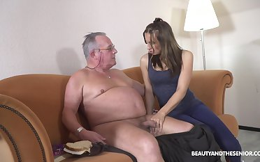 Filthy young chick Azure Benefactress hooks up to old beamy belly man