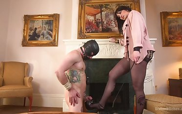 Kinky games is amazing between Maitresse Madeline Marlowe and her suitor