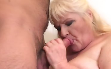 granny gets cuni and making love unfamiliar hungry boy