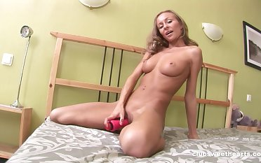 Solo blonde model Amely B poking their way cunt and fingering their way butt