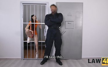 LAW4k. Guards intimate to young seductive miss she cant sell things