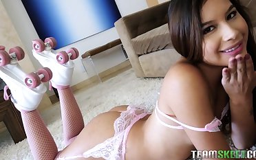 Cute roller skater Zaya Cassidy is a total nympho with a high libido
