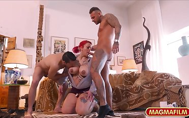 inked chubby mommy gangbang dusting