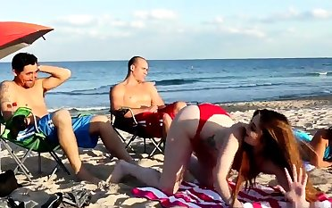 Mom fucks boss' comrade's daughter triple xxx Beach