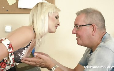 Slender pale natural blonde chick Tyna Gold seduces older bloke close by ride his cock