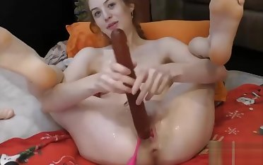 TEEN CAMGIRL SQUIRTS Endure WITH VIBRATOR