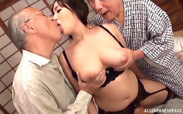 One cock isn't enough to satisfy busty Nonami Shizuka anymore