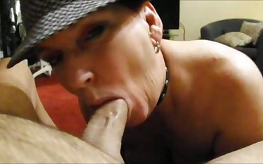 It's awesome when an experienced woman wants to suck your big juicy prick
