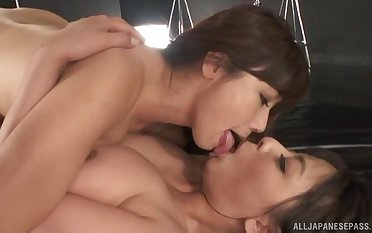 Chubby tie the knot Murakami Ryouko emjoy having sex with her lover