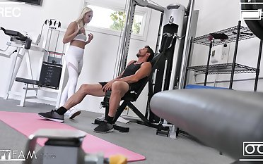 Wild fucking in the gym with inexperienced boobs hottie Chloe Temple