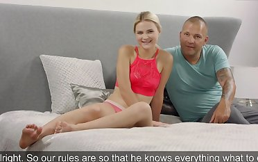 Young blonde came to the casting and had sex with elder man...