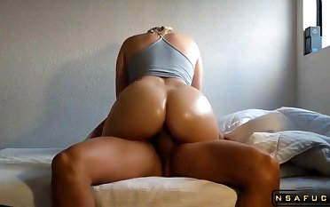 Alluring Mommy With A Magnificent Backside Bounces