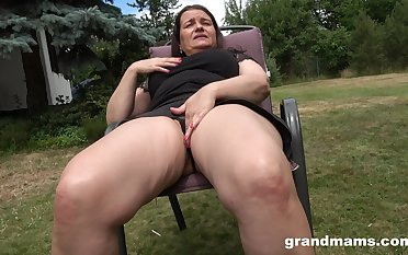 Thick-thighed Euro granny fucking will not hear of wet pussy with will not hear of favorite toy