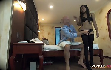 Businessman picks up amateur Asian chick in bar and fucks will not hear of mouth and pussy