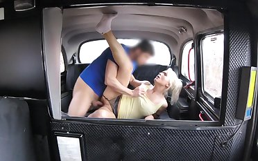 Slutty blonde MILF hooks up with her hung taxi cab servitor