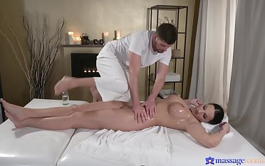 Busty wife Jolee Love spreads her legs to be fucked during a massage