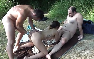 Amateur outdoors MMF trinity with cum loving babe Natalie Hot
