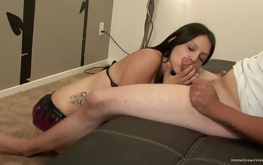 Young cutie pie sucks dick until levelly pops sperm unaffected by her face
