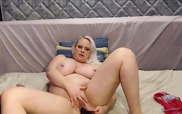 Big and Superb Gilded Girl With Eminent Bowels Squirting