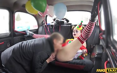Random cab driver gets going to bed with a kinky clown girl