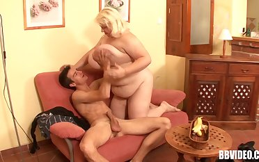 Fat mart mature undressed and fucked by a skinny amateur
