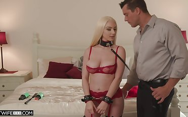 Sexy blonde girlfriend Skylar Vox tied prevalent and gives a careful blowjob