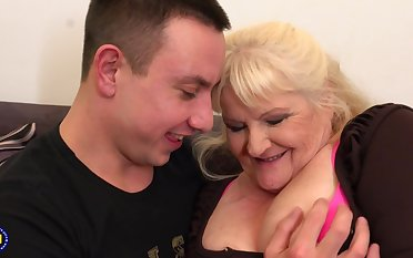 Leona is a dirty minded, blonde granny who likes upon wear felonious fishnets and fuck younger guys