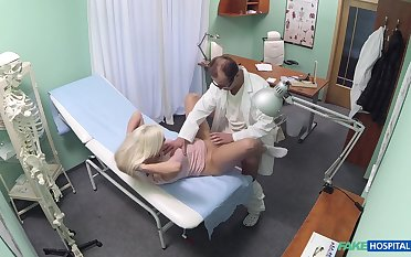 Cute Jessie Ann's doctor has an attracting means of treating her needs