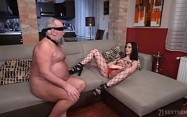 Debatable sculpture Nikki Fox enjoys riding a dick of an older man