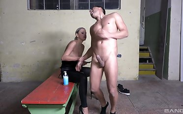 Handsome man enjoys getting ass fucked apart from kinky Julia Parker